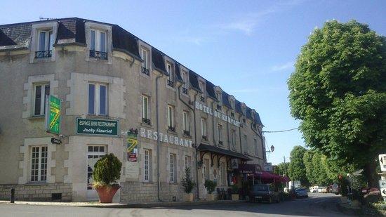 Hotel du Rempart: Indrukwekkend van buiten....