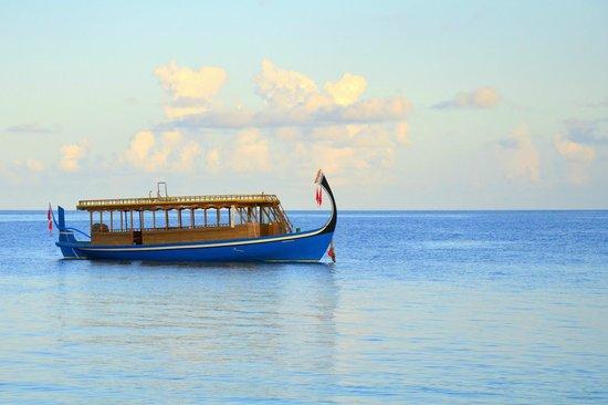 Jumeirah Vittaveli: One of the traditional Maldivian Dhoni boats