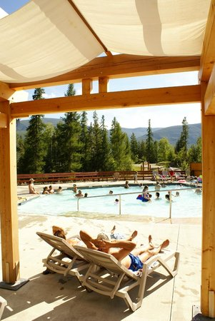 Kimberley Riverside Campground: Relax by the pool