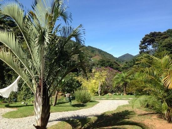 Pousada Sao Sarue Chales: vista do salão do café da manhã.