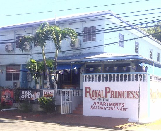 Royal Princess Apartments & Bar