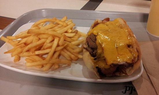 Buckhorn Grill : Bacon Cheddar tri-tip buck Meal
