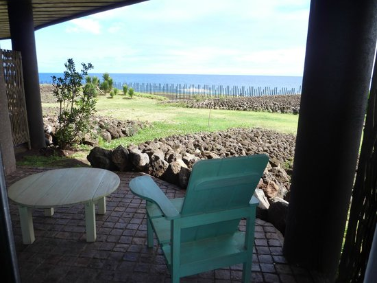 Hotel Hangaroa Eco Village & Spa : Enjoy coffee or a glass a wine from patio