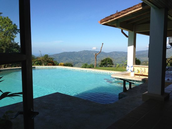 Rio Magnolia Nature Lodge: Pool and view