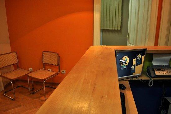 Hostel Magic : Reception Area