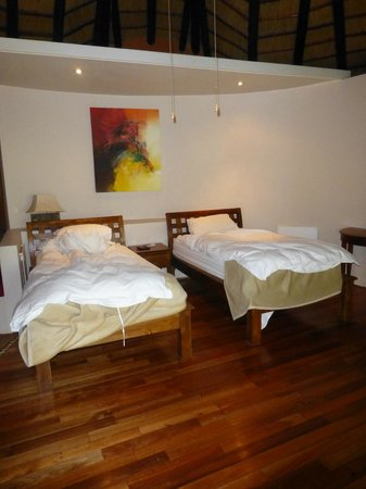 Maliba Mountain Lodge : Our room made up as single beds