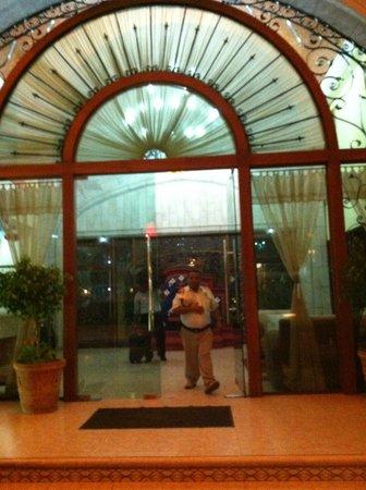 Hotel Hacienda Real del Caribe: Front Entrance of the hotel