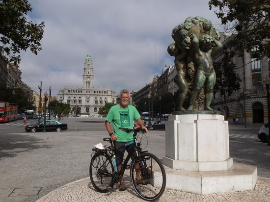 Bikeiberia: Central Porto, freedom without panniers