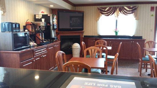 Super 8 Belleville: Lobby Area