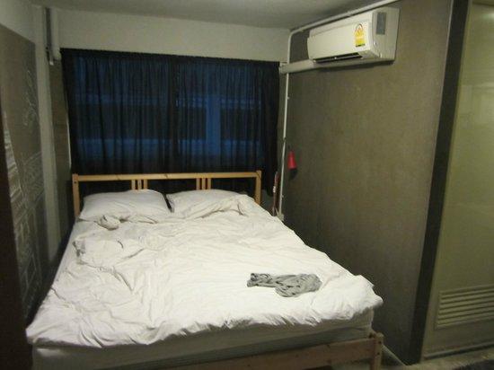 Mile Map Hostel: Private AC room w/ private bath