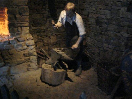 Kerry Bog Village Museum : Forging guy