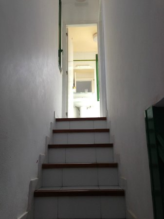 Servatur Sun's Gardens Bungalows : stairs up to bathroom and bedroom