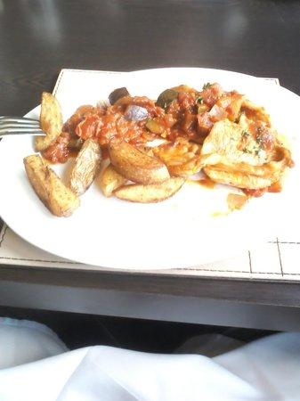 JJ's Brasserie: Delicious main course.