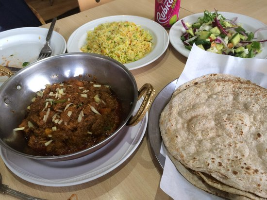 Yadgar Kebab House: Lamb Kharahi off the bone with accompaniments