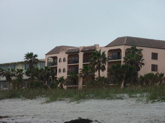 Las Olas Beach Club: view from the beach