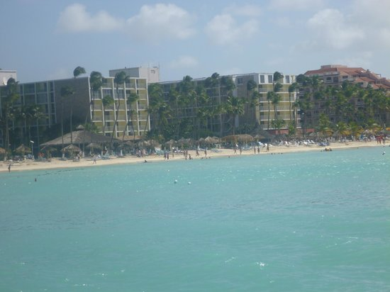 Holiday Inn Resort Aruba - Beach Resort & Casino : View of the two towers from the Jolly Pirate