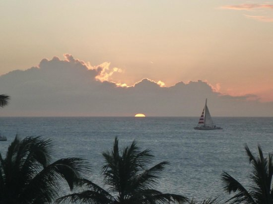 Holiday Inn Resort Aruba - Beach Resort & Casino : Beautiful sunset from our room