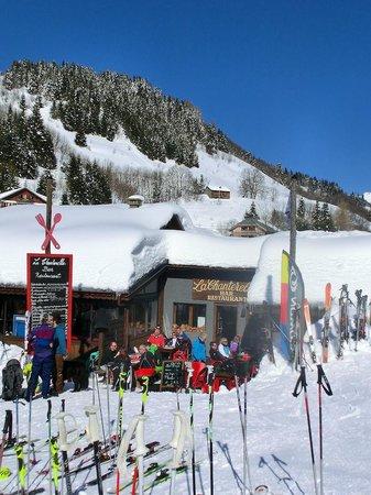 Le Chalet Chanterelle : Our restaurant for skiers, Le Restaurant Chanterelle. Connected to the chalet.