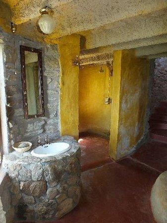Boundary Hill Lodge: Washing basin.