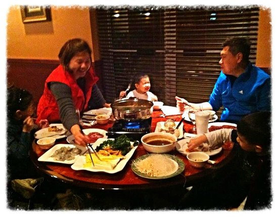Ful Kee Restaurant: Family Style Dining