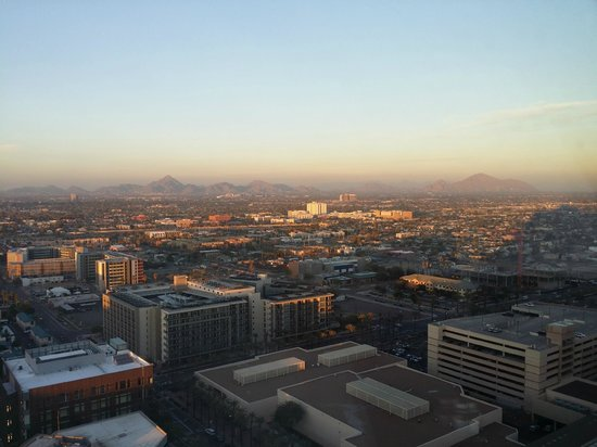 Sheraton Grand Phoenix: 28th Floor!