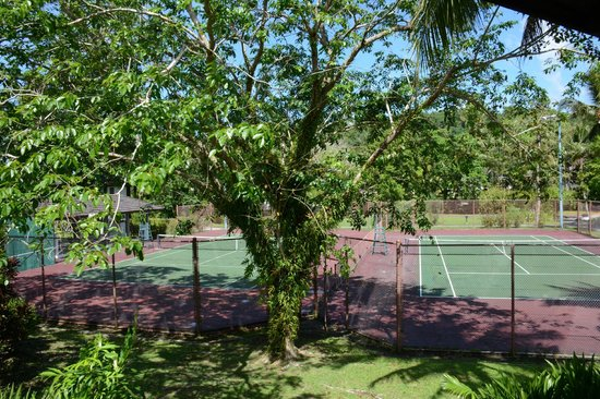 Palau Pacific Resort: tennis corts