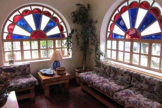 Vieja Cuba : sitting room