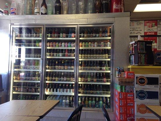 Subs 'N Such: Soooooooopmany different kinds of soda