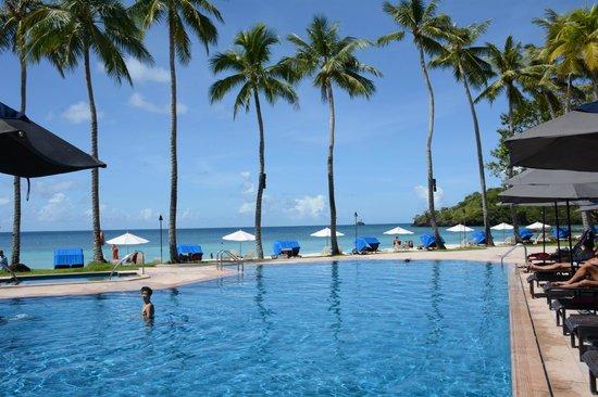 Palau Pacific Resort: Pool area