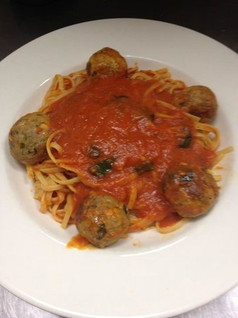 Capo Floral Park: Good Old Fashioned Spaghetti & Meatballs
