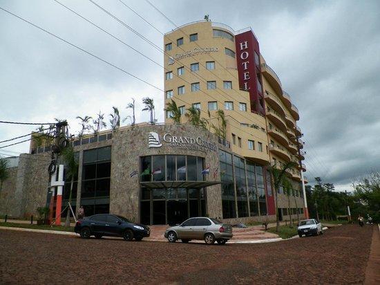 Grand Crucero Iguazu Hotel : fachada del hotel