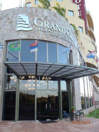 Grand Crucero Iguazu Hotel : entrada del hotel