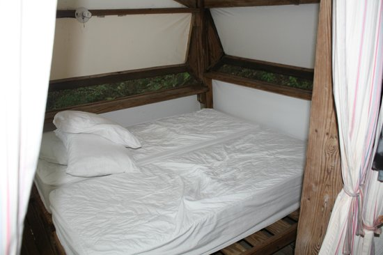 Concordia Eco-Resort: bed
