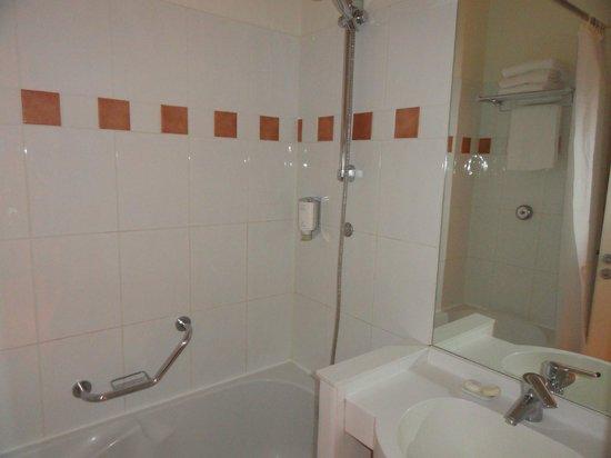 Citadines La Defense Paris: Baño