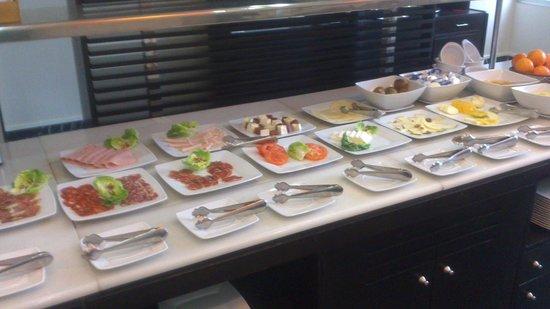 Holiday Inn Madrid - Las Tablas : desayunos