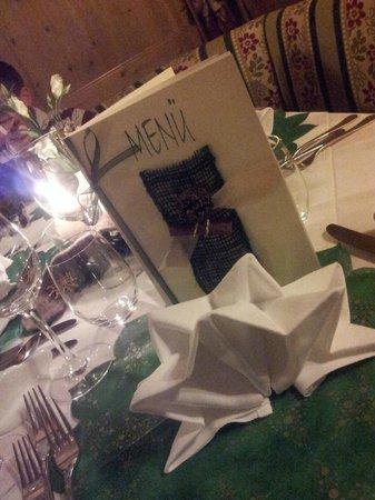Hotel Villa Monica: Ogni sera la preparazione della tavola anticipava le delicatessen che ci aspettavano...