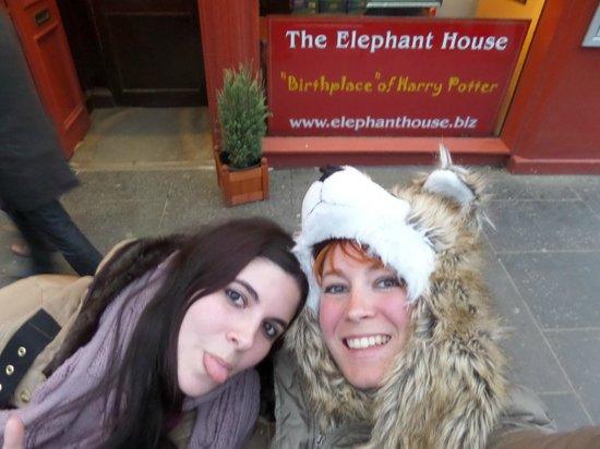 Viajar Por Escocia Tours en Español: Después de comer en el Elephant House :-D