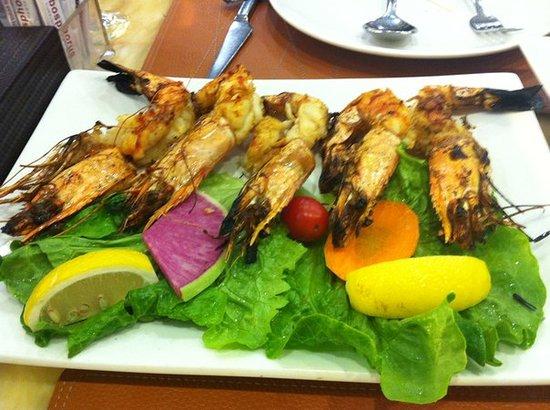 Bosphorus Turkish Restaurant: shrimps on grill