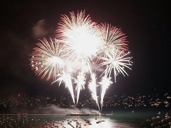 Old Harbor Inn: Light Up the Lake Fireworks always July 3rd