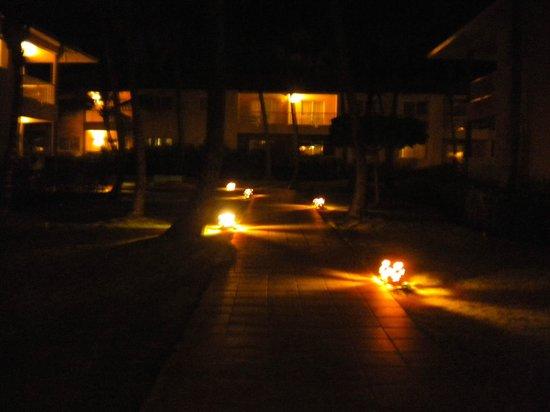 Sirenis Punta Cana Resort Casino & Aquagames: Camino a las habitaciones