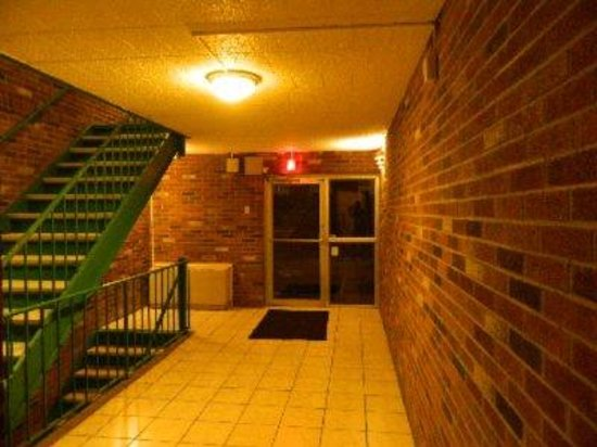 Express Inn New Stanton PA Hotel: Back door - KEY REQUIRED TO ENTER - So it's very SAFE, Clean