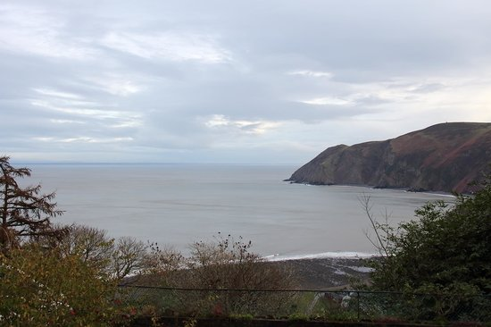Lynton Cottage Hotel: A 'January' view from our room