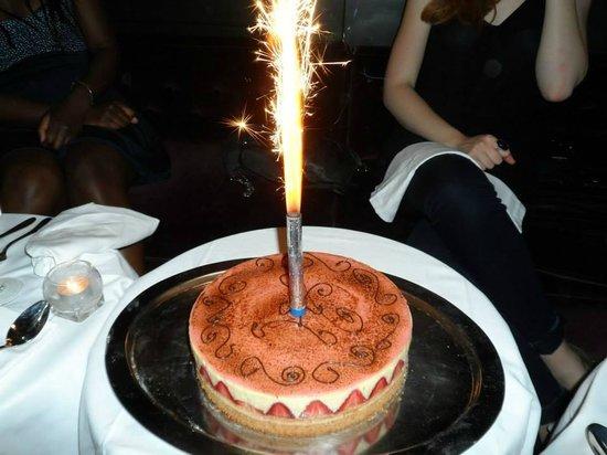 """ChaCha Club : """"Fraisier d'anniversaire"""" pour le groupe"""