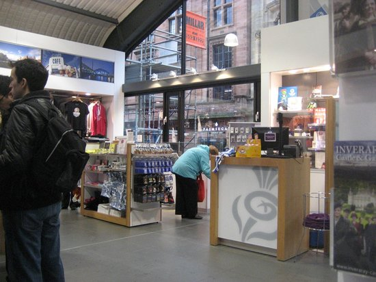 Glasgow Visit Scotland Information Centre: Front of shop