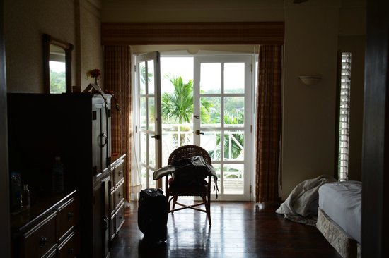 Yap Pacific Dive Resort: inside our room