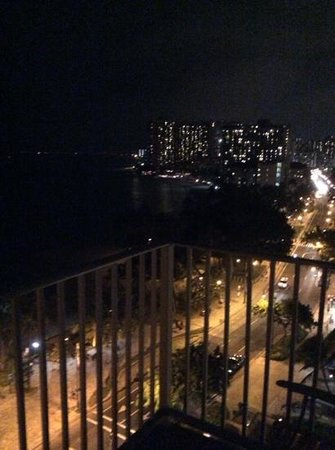 Pacific Beach Hotel: night view