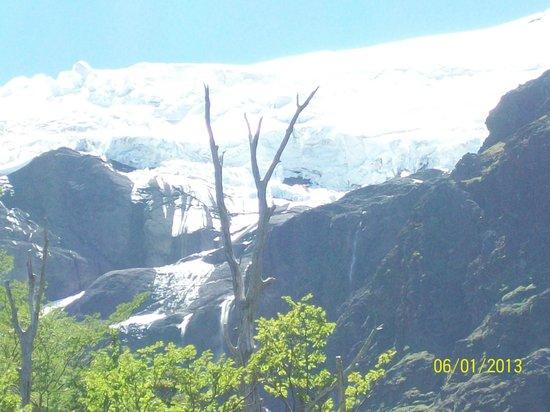 Cerro Tronador : VISTA DEL HIELO PERMANENTE DEL TRONADOR DESDE LA BASE