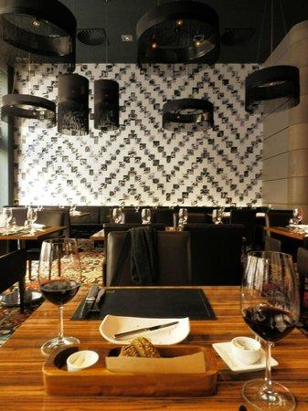 Prime Steak and Wine: interni