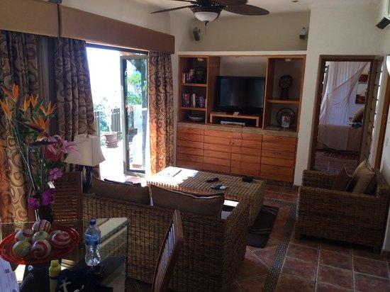 Casa Cupula: Living Area