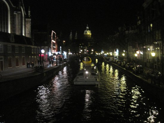 Everyday Walking Tours : on the walk tour- canal